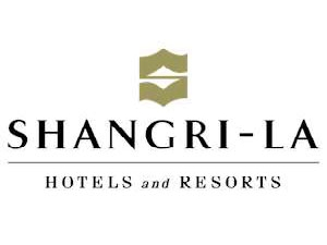 Touristico radio bezocht Shangri La hotel in Parijs
